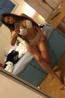 Bunkoet, horny girls in Germany - 2417